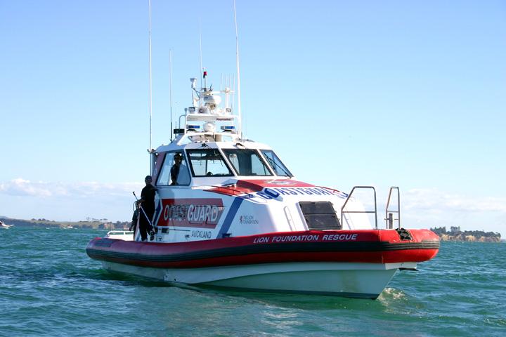 Coastguard boat 72dpi