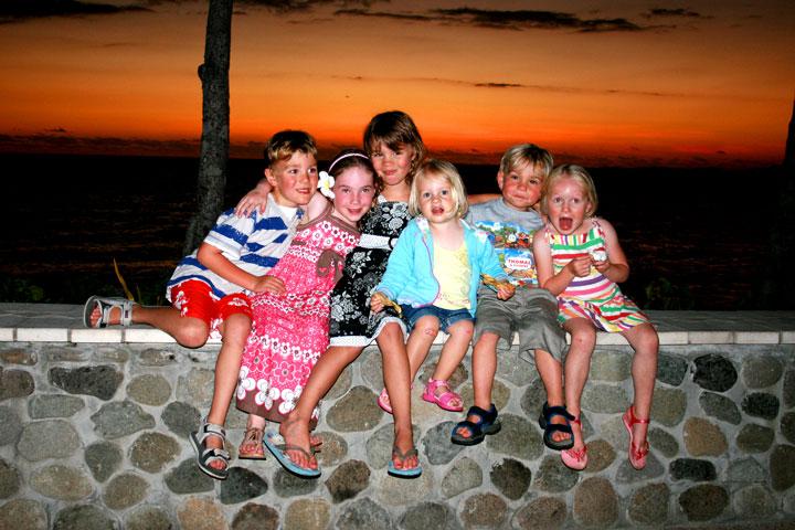 Fiji-sunet-kids