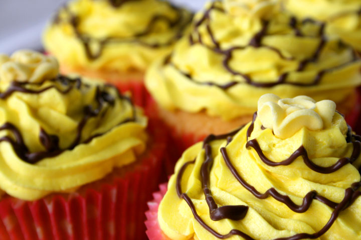 Fair-yellow-cupcakes