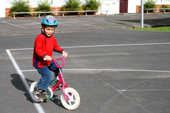 Dan-riding-a-bike