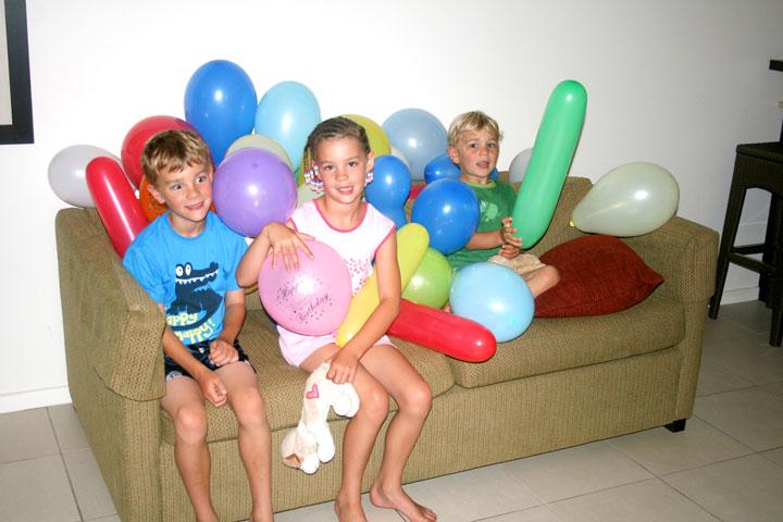 Fiji-Balloon-couch