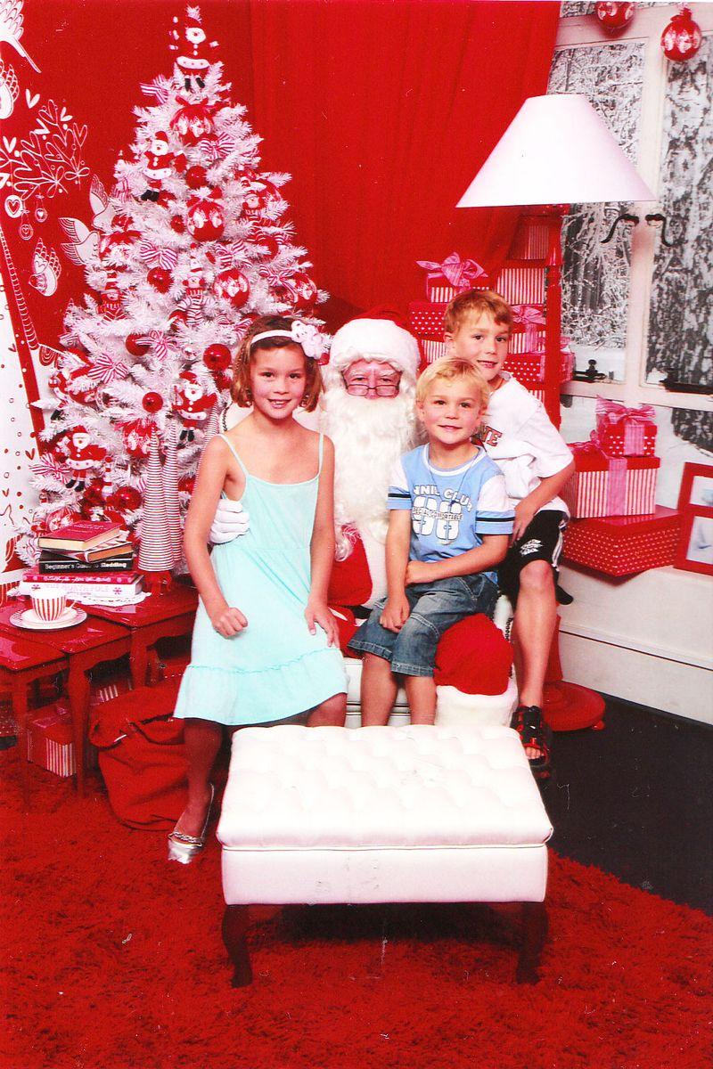 Santa-photo-Smith-and-caugh