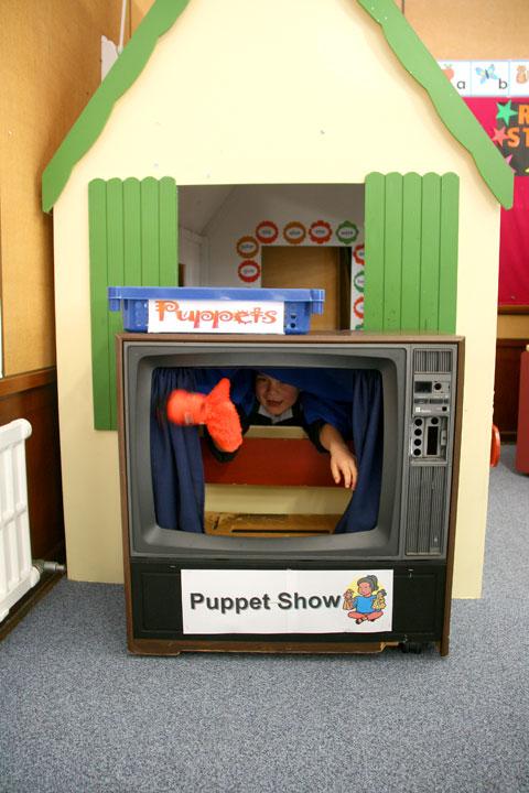 Dans-first-day-puppet-show