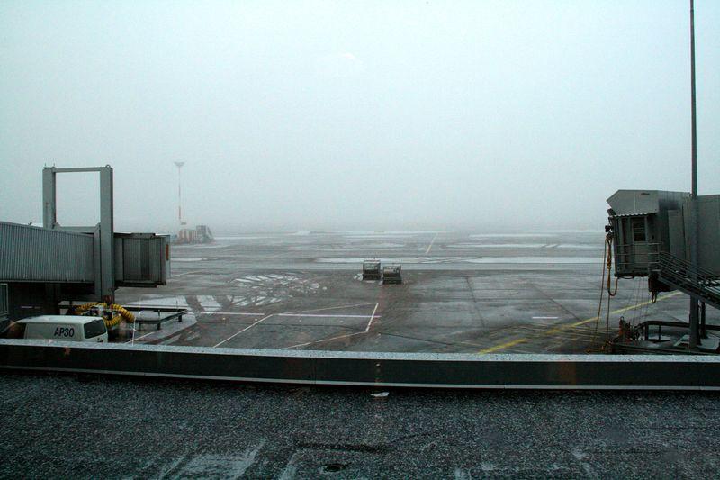 Helsinki-Airport-fog