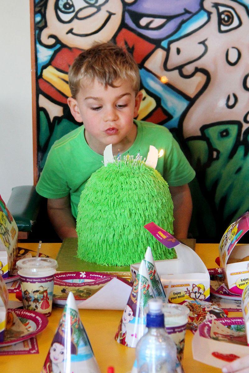 Cake-blowing