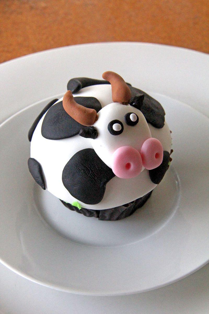Cow-cupcake-cu1