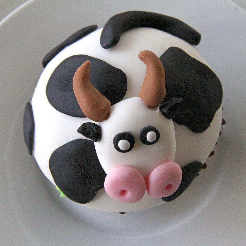 Cow-cupcake