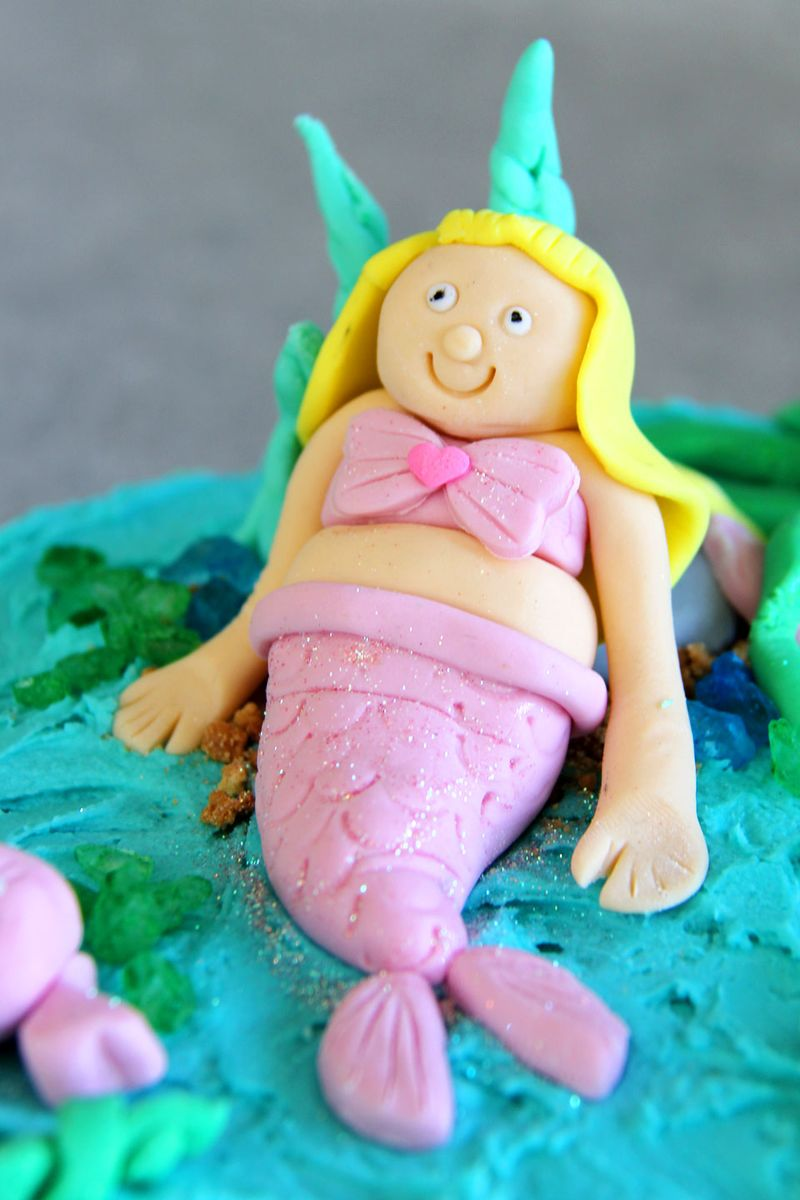 Under-the-sea-mermaid-cake-2