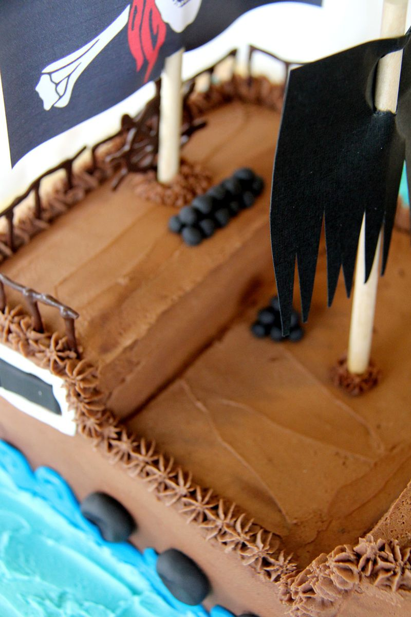 Pirate-ship-cake-4