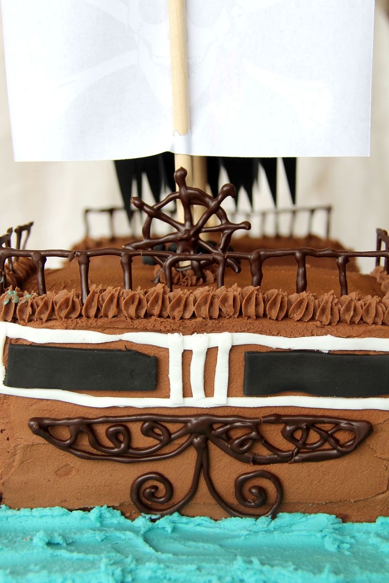 Pirate-ship-cake-7