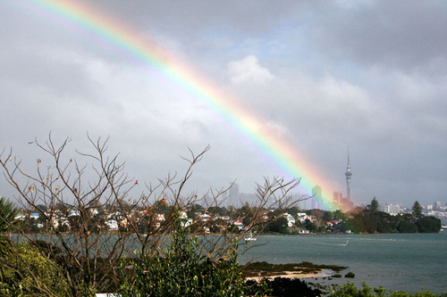 Rainbow_over_the_sky_tower_72dpi
