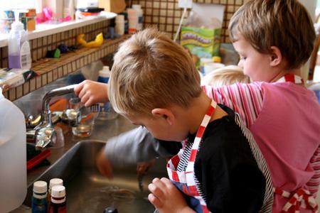 Kids_baking_72dpi