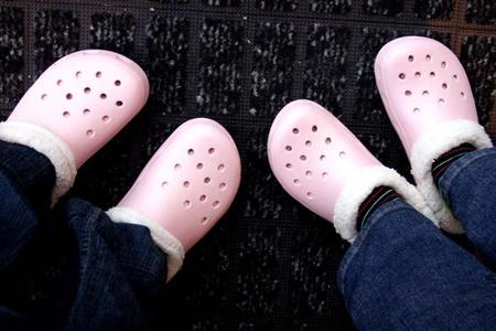 Croc_slippers_72dpi
