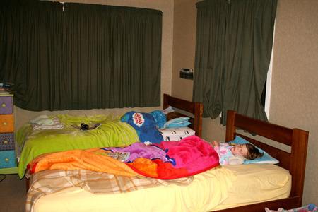 Twins_asleep_72dpi