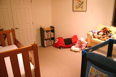 Babies_room_from_doorway_72spi