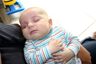 Daniel_asleep_in_my_arms_72dpi_1