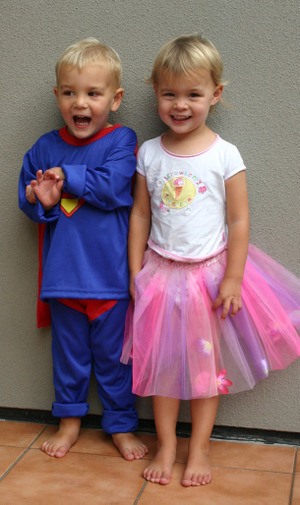 Kids_in_dress_up