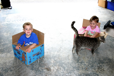 Matt_and_sarah_in_boxes_with_pud_72dpi