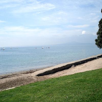 Murrays_bay_beach_smaller