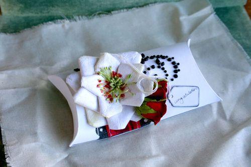 Wedding-gift-box-opened