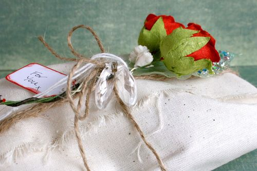 Wedding-gift-box-wrapped-CU
