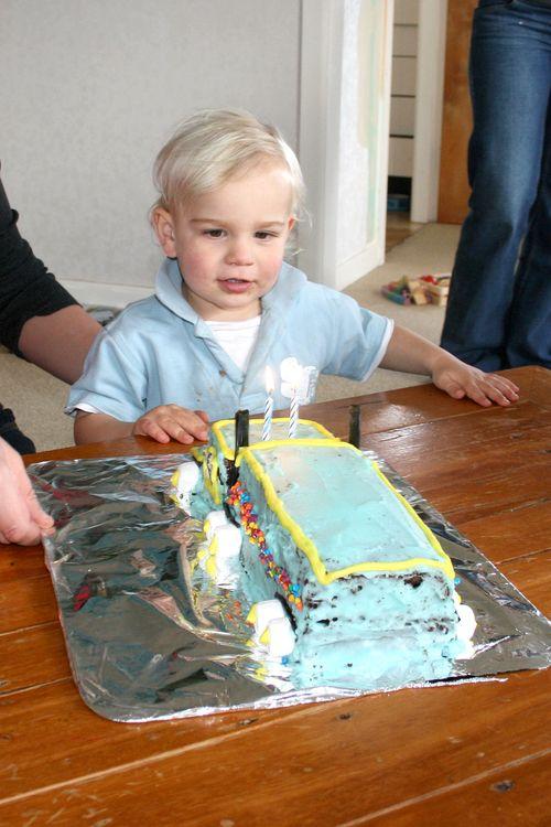 Dan gettting cake 1